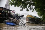 Inondations a Paris 2016, Photographe de presse Paris, Péniches et Tour Eiffel
